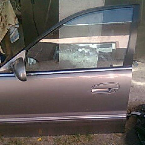 Dezmembrez Hyundai Sonata Y3 an 1998 benzina