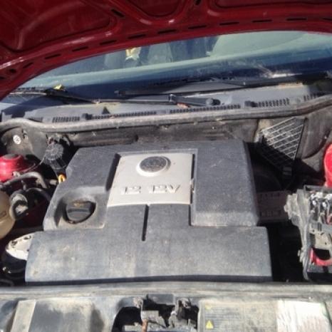 Dezmembrez Skoda Fabia motorizare 1,2 benzina an 2005
