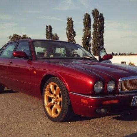 Dezmembrez Jaguar XJ
