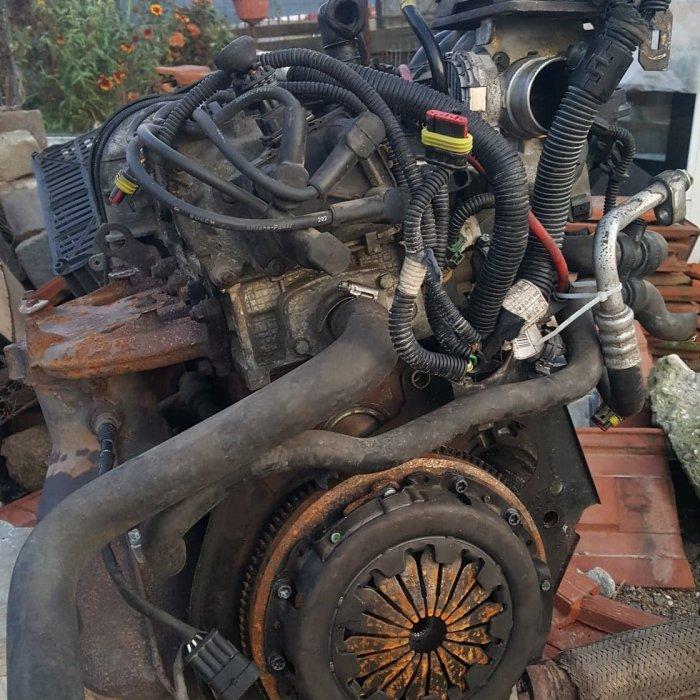 Motor Fiat Punto tip motor 188A5000 + anexe