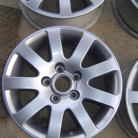 Jenti VW Caddy, Golf 5, Octavia, Seat Altea, pe R15-5x112