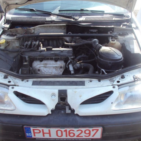 dezmembrez megane clasic berlina an 1998 motor 1600 cm3