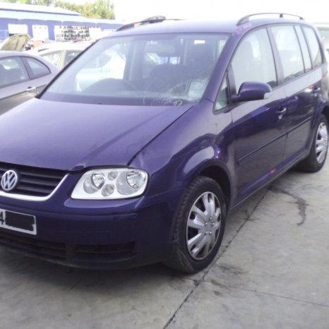 Dezmembrez Volkswagen Touran, an 2004