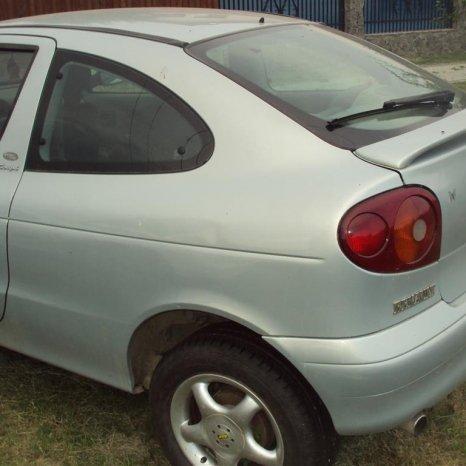 amortizoare spate renault coupe an 2001