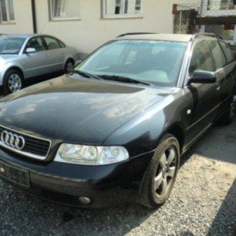 Dezmembrez Audi A4 2.5 tdi break din 2000