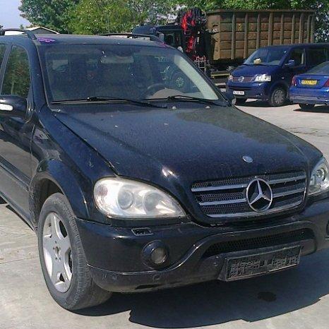 Dezmembrez Mercedes-Benz ML400, an 2002