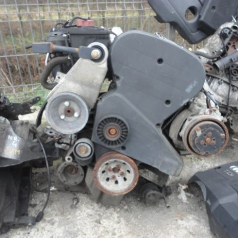 Vindem motor de Alfa Romeo 156.cod motor AR32310.