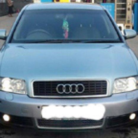 Dezmembrez Audi A4 din 2003 1,9 TDI
