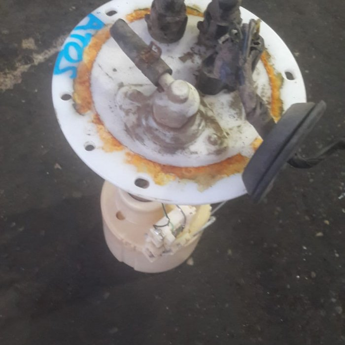 pompa benzina   hyundai atos an 1998 motor 1.0 benzina tip motor G4HC in stare buna