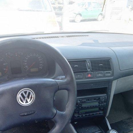 DEZMEMBREZ Volkswagen Golf 4 an fab.2002 1.6 16v tip motor AZD ,
