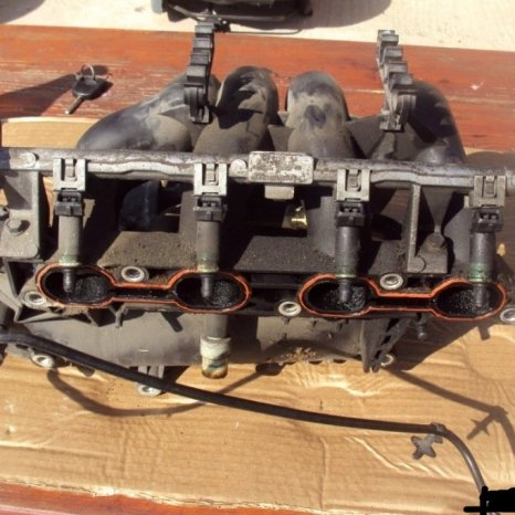 debimetru ford focus an 2000 motor 1600 si alte piese