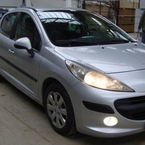Dezmembrez  Peugeot 207
