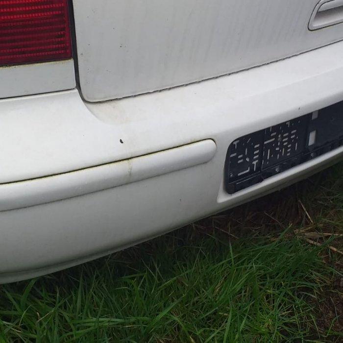 bara spate volkswagen polo an 2001