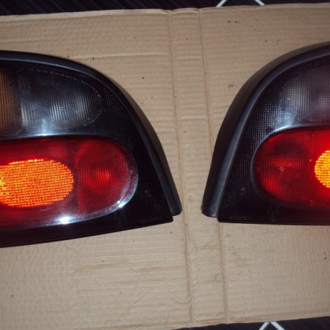 lampi spate [stopuri ]renault megane 1 hatchback