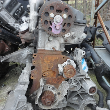 Vindem motor de VW Passat 1.9 TDI