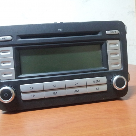 Radio Casetofon cu CD-Mp3 original VW Golf 5 si Passat B6