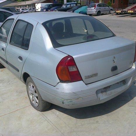 Dezmembrez Renault Clio, an 2001,