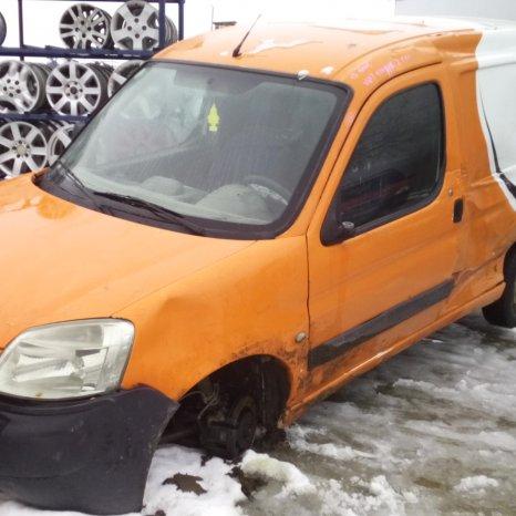 Dezmembrez Peugeot Partner, an 2004,