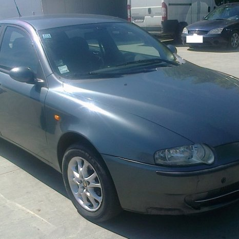 Dezmembrez Alfa Romeo 147, an 2002, tip motor AR37203,
