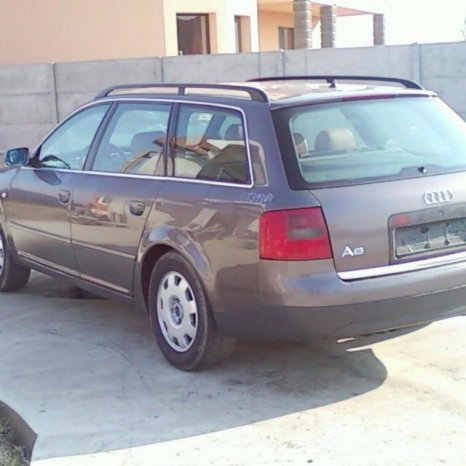 Dezmembrez Audi A6 2.5 tdi din 2000, compresor clima
