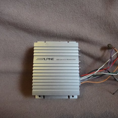 Mini Amplificator auto alpine 4x50w