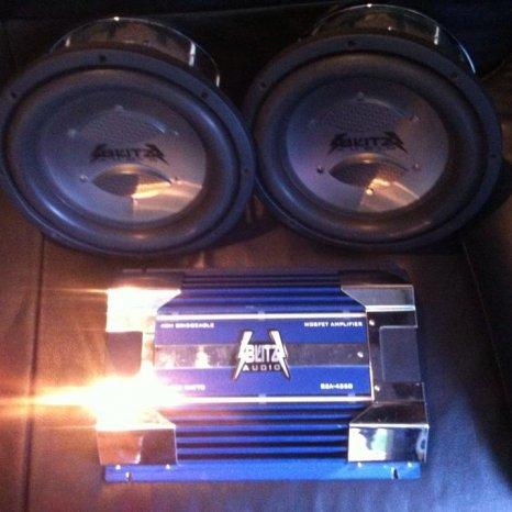 Vand sistem audio auto 2x subwoofer + statie Blitz USA accept sch
