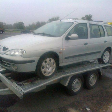 bara fata Renault Megane I an 2002