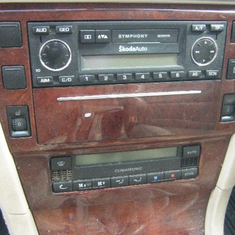 Vand CD player pt: Skoda, VW, BMW, Opel, Audi, Honda, etc.