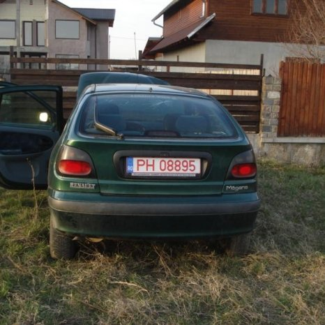 punte spate renault megane berlina si hatcback an 1998
