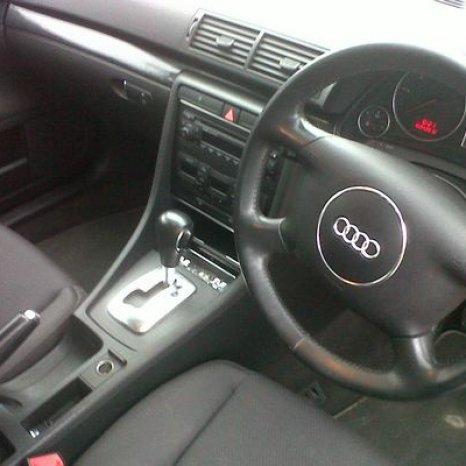 Dezmembrez audi A4 diesel an 2002