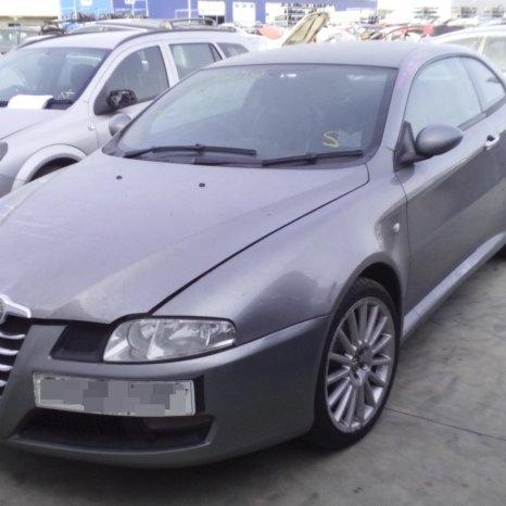 Dezmembrez Alfa Romeo GT, an 2006, tip motor 937A1000