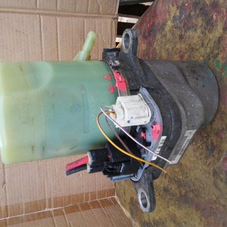 vand pompa directie FORD Focus 2