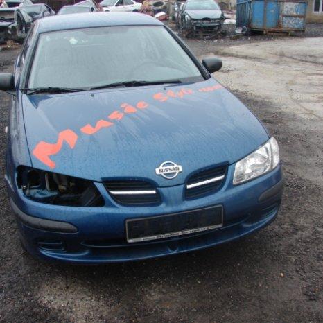 Dezmembrez Nissan Almera din 2000