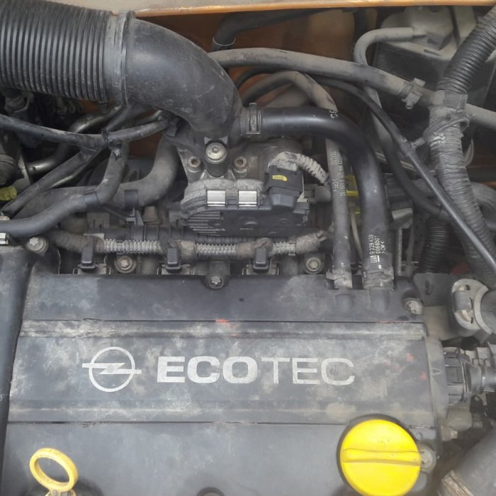 dezmembrez opel agila an 2002 motor 1.2 benzina tip motor z12xe