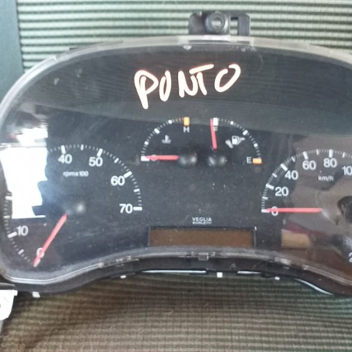 Ceasuri bord fiat punto an 2003 motor 1. 2 benzina cod 46753574 in stare buna