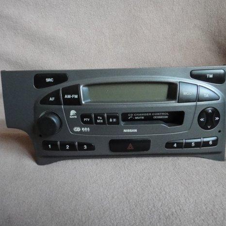 Radio casetofon nissan primera