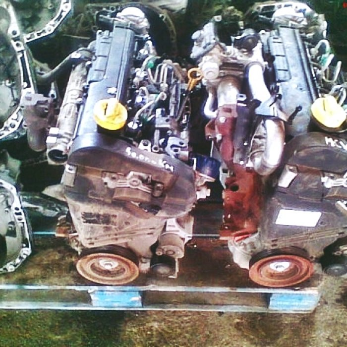 Vand motoare logan 1. 4, 1. 5 dci euro 3 euro4 dezmembrez dacia logan orice piesa dezmembrez logan 1. 4 mpi, 1. 5 dci euro 3, euro4. , , , , . motoare, anexe motor, portiere, capota spate, cutie de viteze, injectoare, turbosuflante, aripi, faruri, ra