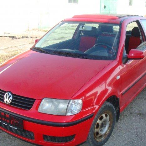 dezmembrez VW polo 1.0B an 2000