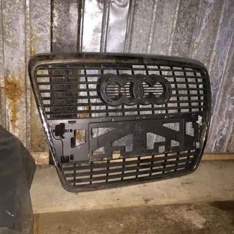 Vand grila radiator Audi A6