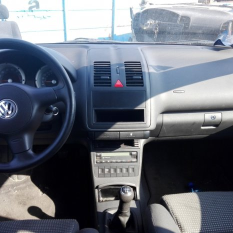 DEZMEMBREZ Volkswagen Polo 6N2 an fab.2001 1.0mpi tip motor AUC ,