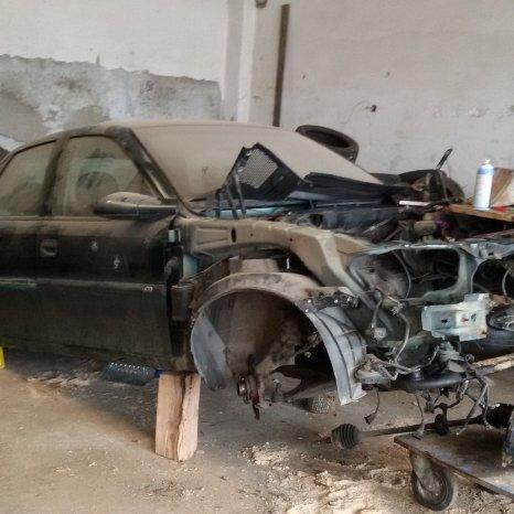 Opel Vectra B 1.8 benzina 116cp