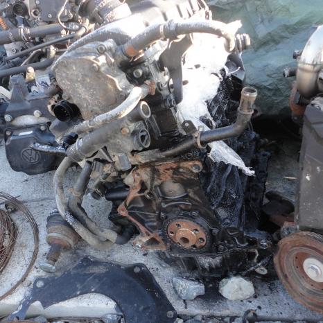 Vindem motor de VW Bora 1.9 TDI. cod AJM.
