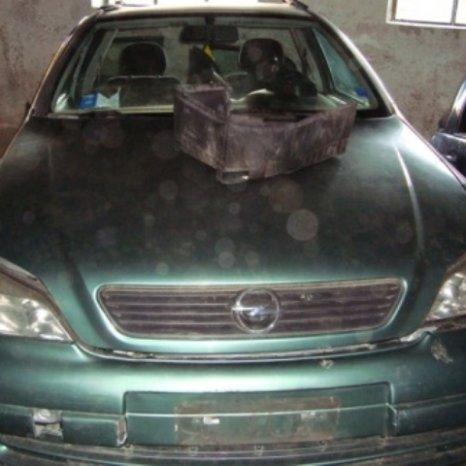 Dezmembram Opel Astra G