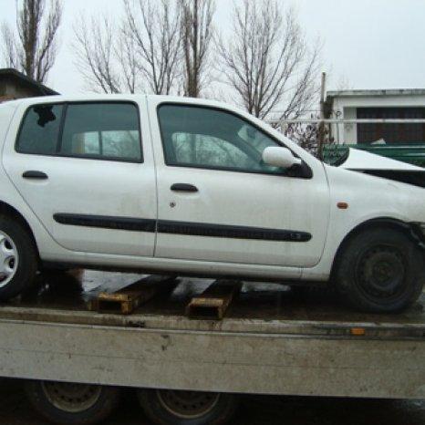 Dezmembram Renault Clio