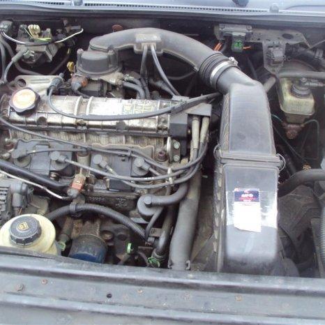 motor renault laguna 1 ,1800 cm3 ,66 kw