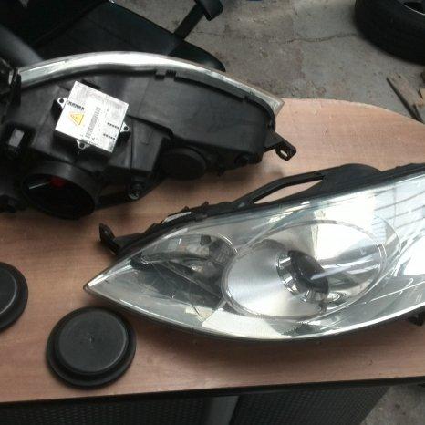Vand far xenon stanga/dreapta Peugeot 407