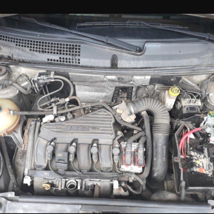 Dezmembrez FIAT Stilo 1.6 16v benzina