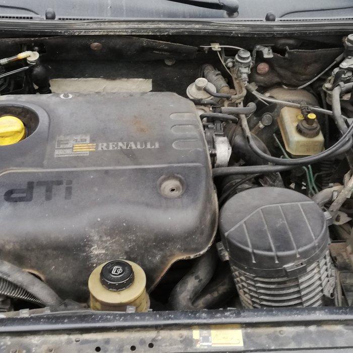 Dezmembrez Renault Laguna 1.9 dti an 2000