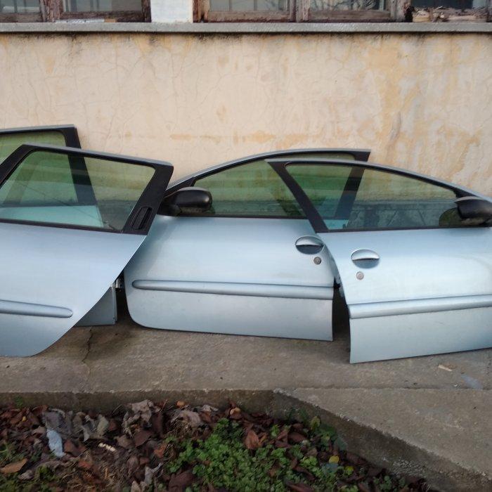 Portiera dreapta fata pt Peugeot 206  4/5 usi