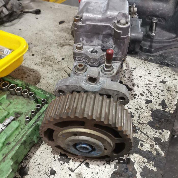 Pompa de injecție Renault Megane 1.9